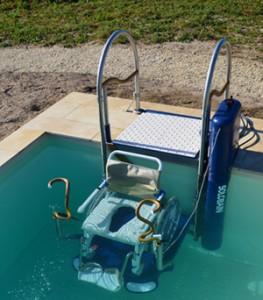 piscine handicapé